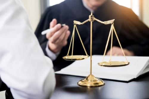 وکیل الزام به تنظیم سند در مشهد