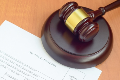 وکیل اخذ تابعیت ایران در مشهد