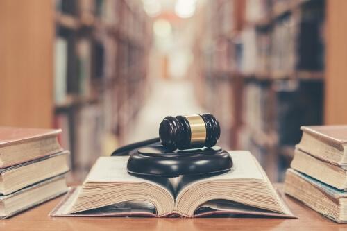 وکیل داوری در مشهد