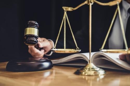 وکیل دادگاه انقلاب در مشهد