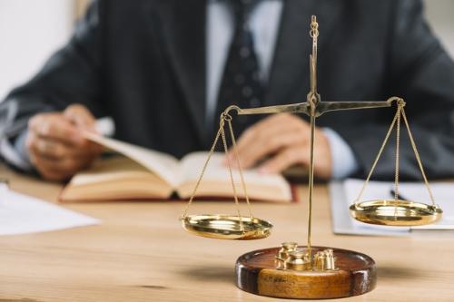 وکیل تبصره ماده 48 آیین دادرسی کیفری در مشهد