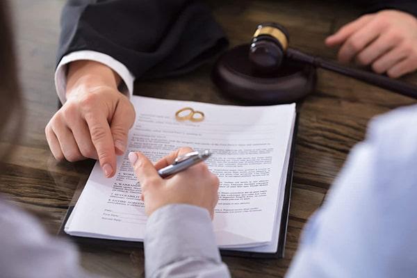وکیل تمکین در مشهد